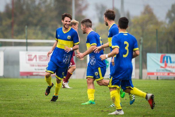esultanza cazzago bornato calcio paravicini 2eccellenza girone c bedizzolese - cazzago bornato calcio11/11/18